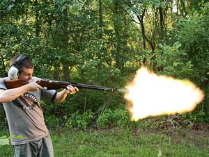 Manly Mozin Muzzle Flash!